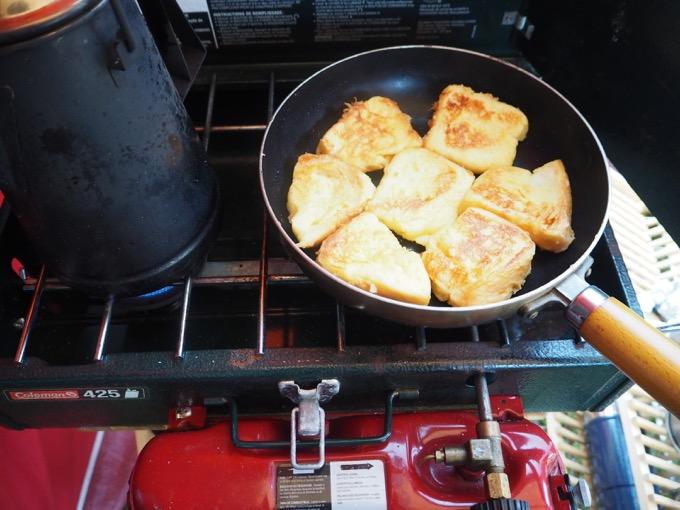 キャンプ朝ごはんフレンチトースト