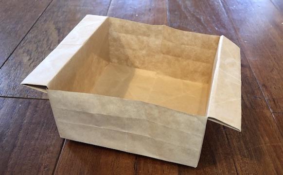 チラシでゴミ箱